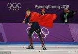 2018年2月19日,韩国,2018平昌冬奥会速度滑冰男子500米决赛,中国选手谢嘉轩、杨涛出战,高亭宇摘铜。