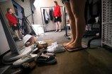 最近,记者走访了一家专门做大码女装的服装店,店主专门做胖妹的生意,这原本是个看上去会亏本的生意,因为大码服装连布料都比一般的衣服多耗费20%,没想到,去年一年,这家店销量破亿。