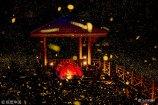 """七八月份,正值仲夏,星星点点的流萤,是这仲夏夜""""最""""唯美的风景。2018年7月8日,江苏南京,浦口老山兜率寺,老山夜萤。"""