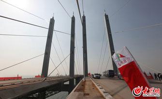 世界上最长的跨海大桥明年通车