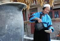 10年前的照片:茶驿中的阿婆