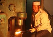 气压锤也被应用到打造过程中