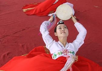 朝鲜族手鼓舞表演