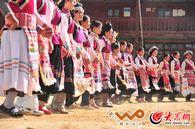 傈僳族瓦器器舞蹈