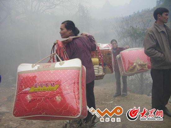 毛南族 巧手编出 顶卡花 肥套 带来傩文化
