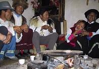 纳西家庭的火塘
