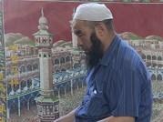 做礼拜的回族伊斯兰信徒