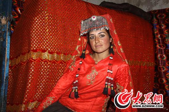 漂亮的塔吉克族姑娘