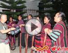 佤族司岗里民间歌舞团表演佤族歌舞