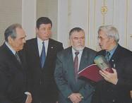 俄罗斯鞑靼斯坦共和国总统接见老人