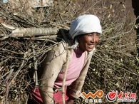 彝族女人都非常吃苦耐劳