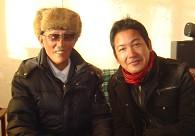 丹巴绕旦大师(左)与巴扎仓・丹增格列
