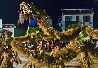 宜州清潭村壮族民俗:舞草把龙