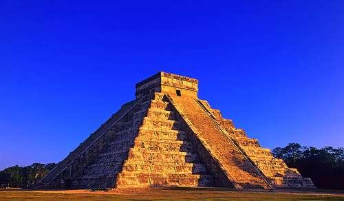 玛雅金字塔(网络图片)