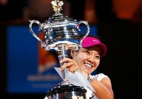 集锦:李娜2-0齐布尔科娃夺澳网冠军