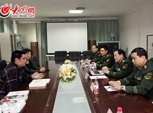 马先宏总队长做客大众网与大众网总编辑朱德泉、副总编辑李冉交流