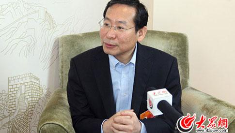 """毕宏生:""""小眼镜""""成""""国病"""" 健康中国要从娃娃抓起"""