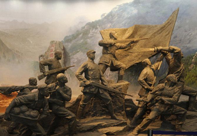 2、山东抗日根据地纪念馆大厅内的群雕作品。.JPG