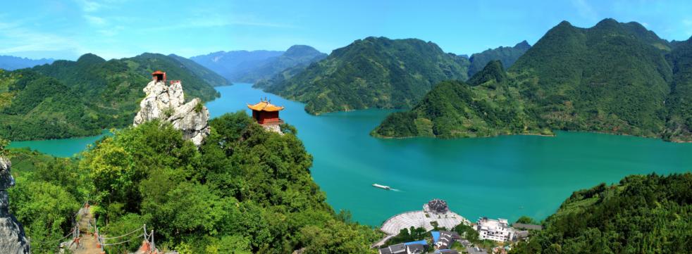 清江画廊风景区位于湖北宜昌三峡.