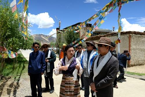 青岛第八批援藏干部抵达日喀则 迅速展开工作