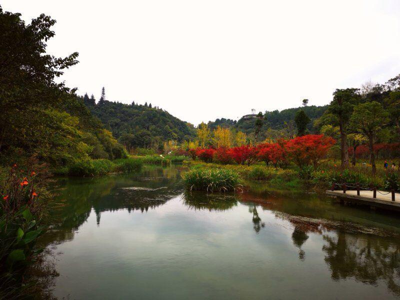 天河潭风景区,自古山清水秀,气候宜人,曾经是明末清初吴中蕃隐居之