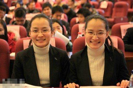 清华大学Twins学霸走红,成绩彪悍引网友膜拜.-清华Twins学霸走红图片