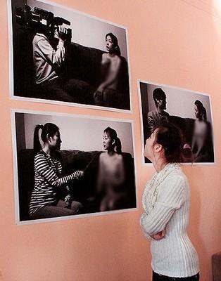 人体艺术bb深勾_炒作的第二步:举办个人人体艺术展览并传播出去