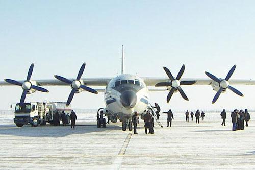 """中国空军的""""大力神""""运八飞机"""