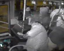 """生死92秒 菏泽""""最美公交司机""""临终停车全过程"""