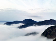 江西庐山现壮观云海景观