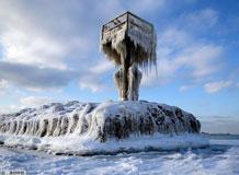 美芝加哥极寒天气持续 密西根湖遭冰封