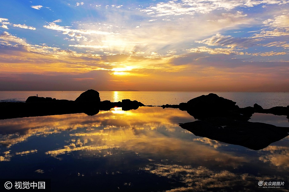 镜头捕捉青岛海滨晨昏旖旎风光