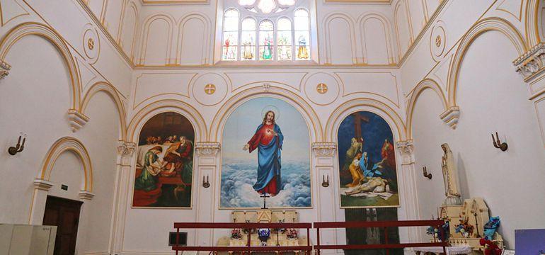 实拍青岛圣弥厄尔教堂 恢弘大气浓郁哥特风