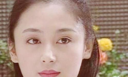 44岁陈红惊现老年斑 往日娇美青涩旧照曝光