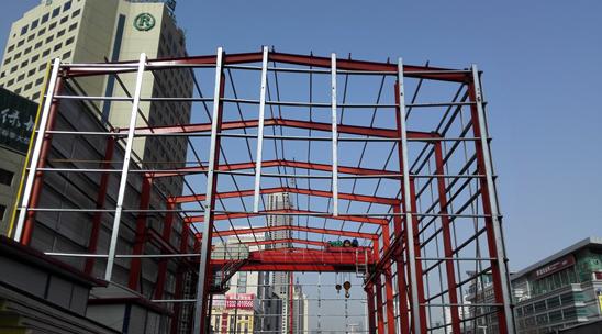 青岛地铁首家全封闭绿色施工厂棚落成