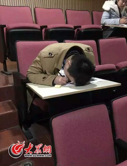 盲人藝考生劉佳復試發揮不錯 擔心統考成績盼破格錄取