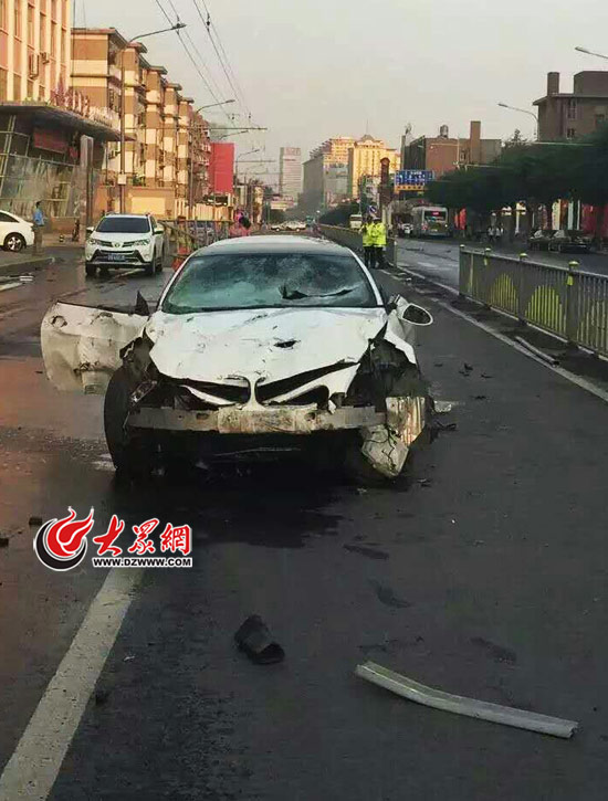 汽车保险杆被撞开裂,不换新的用这种方法也可以焊接 车家号 发现车...
