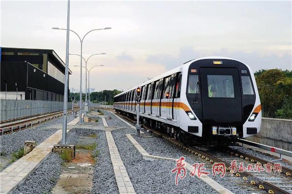 由中车青岛四方机车车辆股份有限公司制造的新加坡无人驾驶地铁车辆正