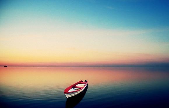 那些说翻就翻的小船,装载的都是伪友谊图片