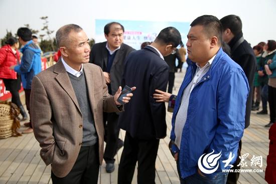 """一年前,日照市海洋与渔业局更是选派""""第一书记""""张海建扎根泉子沟村,给"""