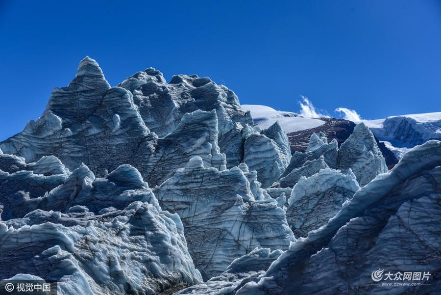 """实拍西藏""""40冰川"""" 形态各异震撼人心"""