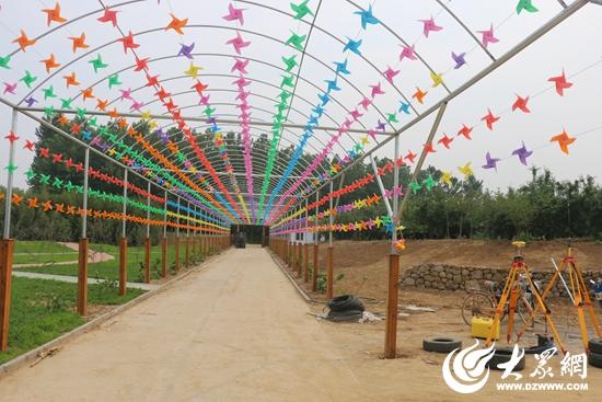 hi世界农乐园主要包括航天农业科技园,儿童乐园,欢乐动物园三大功能