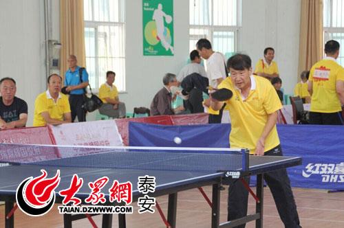 长江后浪推前浪 国悦府乒乓球老年 少儿组比赛打响