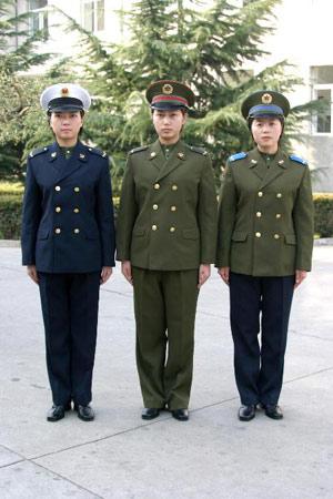 中央军委批准新式军服配发部队