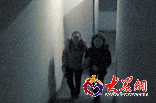 现在楼道内的声控灯都运行正常,以方便居民们上下楼.