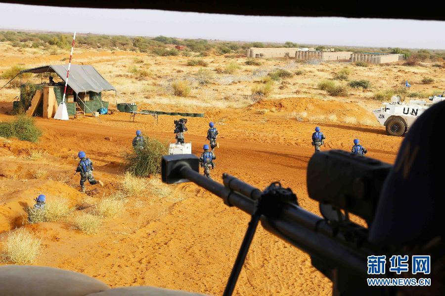 中国驻马里维和部队强化处突演练