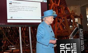 英国女王亲手发出人生首条Twitter消息