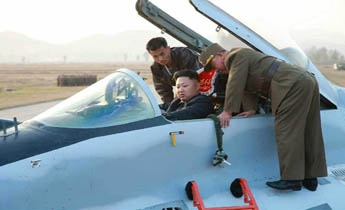 金正恩指导朝鲜飞行员训练 登米格-29战机