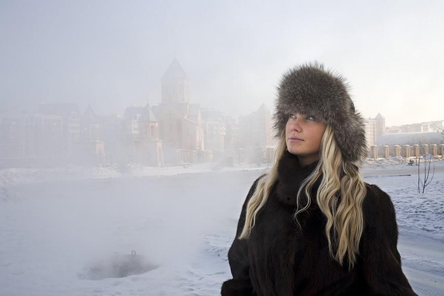 照片上的西伯利亚美女带着自己的希望,梦想着能够出现在时尚杂志光鲜的封面上。