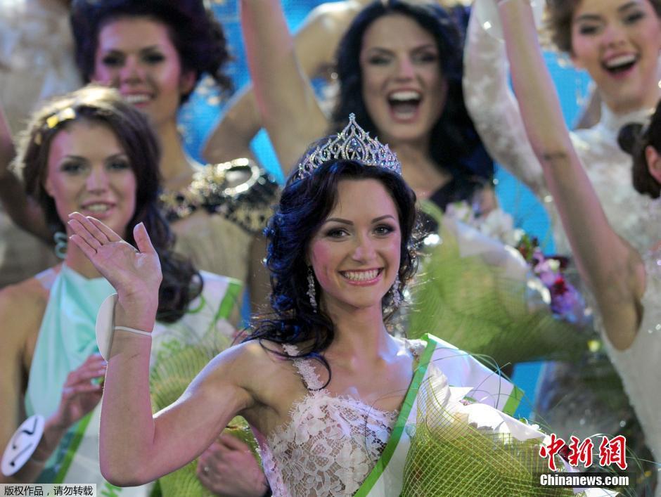 当地时间2014年5月2日,白俄罗斯明斯克,21岁的维多利亚当选为2014年白俄罗斯小姐。